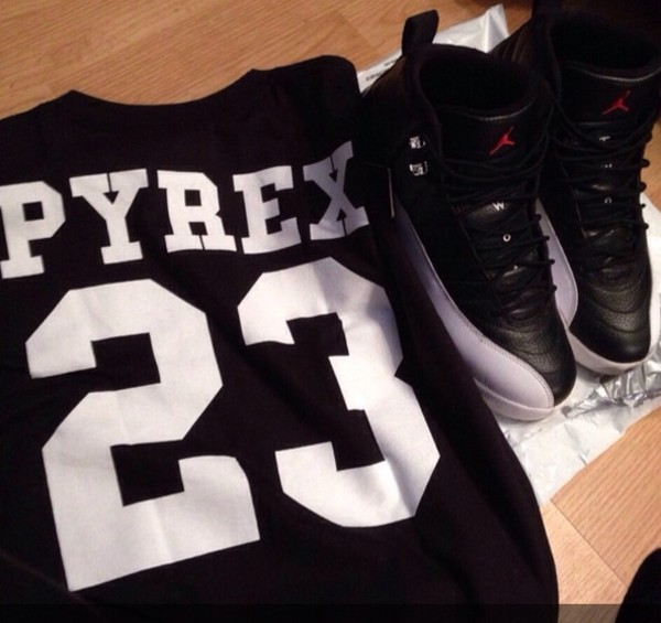 shoes retro jordans black white shirt