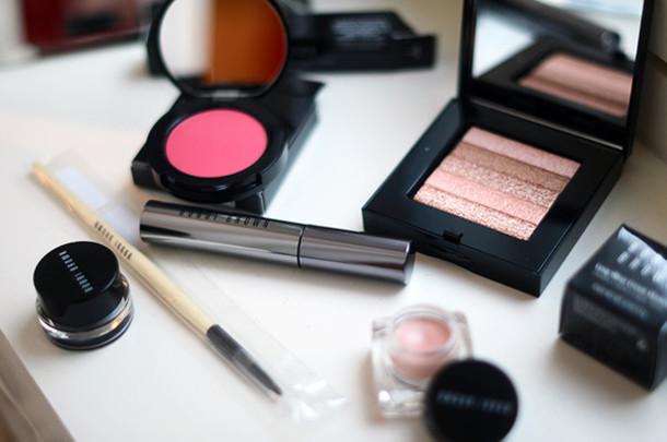 make-up eye makeup eye palette make-up eye shadow shimmery bobby brown