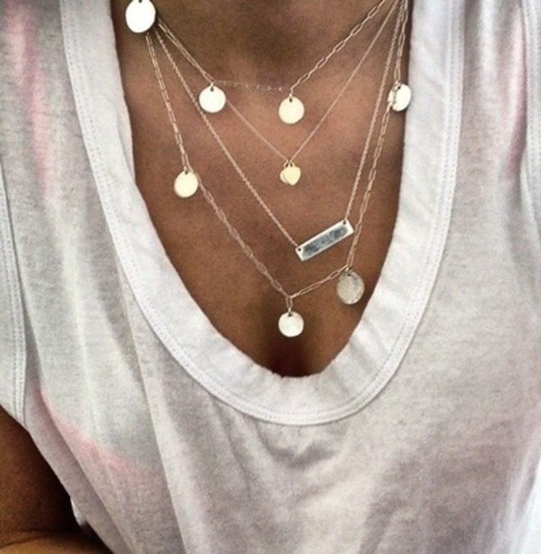 jewels necklace necklace silver gold chain silverchains chain tan white top white top jewelry layer coins boho style summer thin shirt white t-shirt cute shirt summer shirt where to get this necklace layered bar necklace
