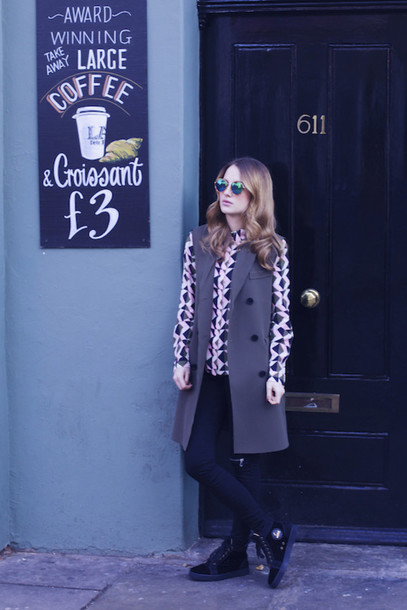 at fashion forte blogger shirt sunglasses jewels
