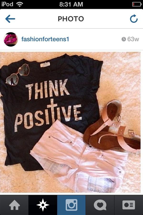 shirt jewels shorts sunglasses