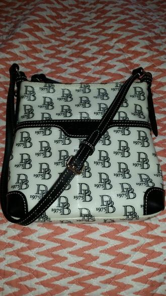 bag authentics dooney and bourke purse