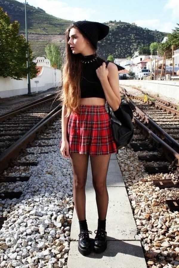 skirt shoes underwear tank top hat bag
