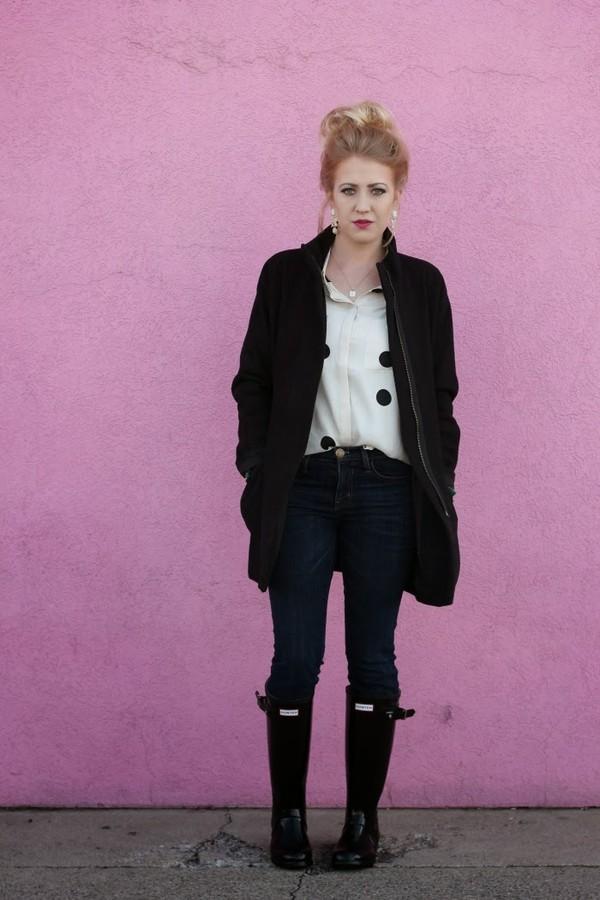 fashion flirtation t-shirt jeans coat shoes jewels