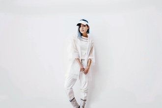 feral creature blogger visor white all white everything white top white pants top jacket shoes