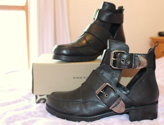 shoes cut out ankle boots cut-out boots black silver ankle boots details leather