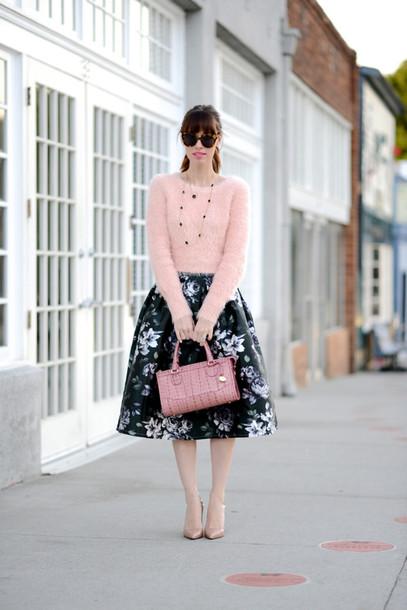 m loves m blogger midi skirt fuzzy sweater floral skirt handbag floral midi skirt