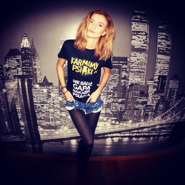 beauty fashion shopping t-shirt shorts