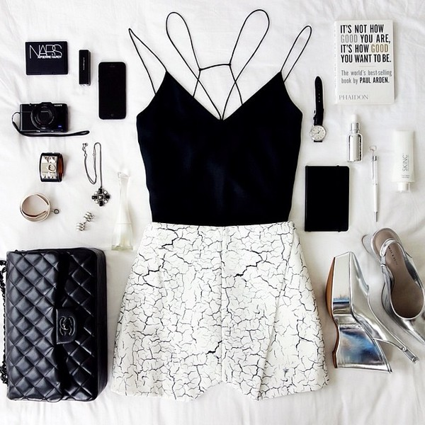 blouse cameo the label chanel hermes cuff belluspuera shoes jewels shorts bag tank top black black top outfit crop crop tops black crop top crop tops cut out back low back t-shirt crop tops