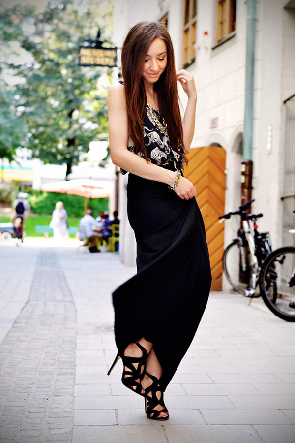 flirting with fashion t-shirt skirt belt shoes