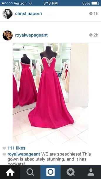 dress prom dress has pockets need need need it dream dress