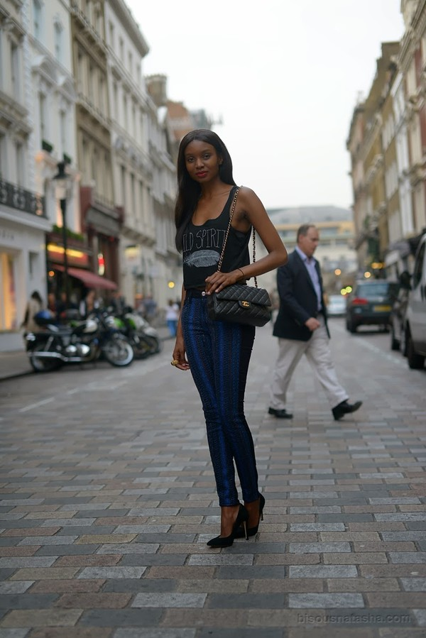 bisous natasha t-shirt jeans bag shoes