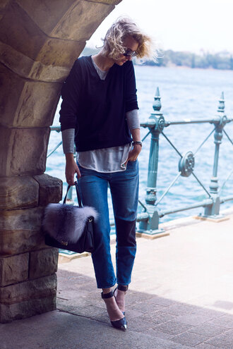 zanita blogger jeans bag jewels sunglasses fur