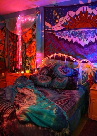 home decor bedding bedroom tie dye jewels hippie trippy tyed dye colorful patterns marijuana hipster love crazy home accessory