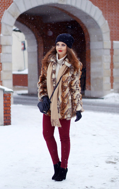 a piece of anna blogger scarf fur skinny pants