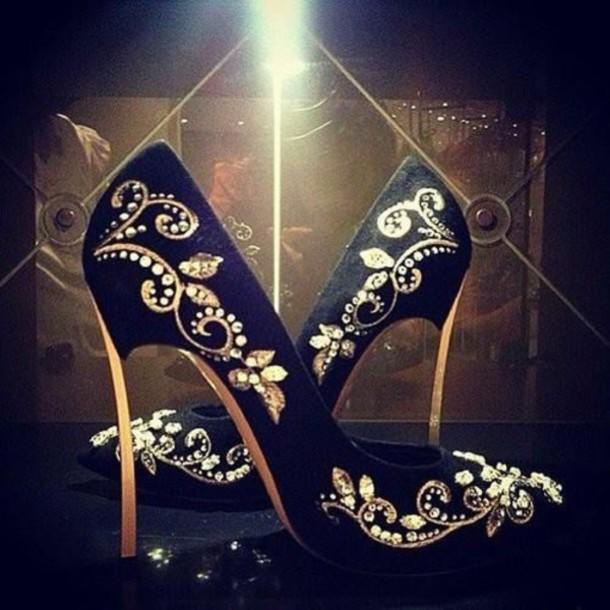 shoes pumps heels black & gold gold black high heels golden heel diamonds summer fashion arabic pattern fabric floral stones black stilettos stilettos emirates shiny