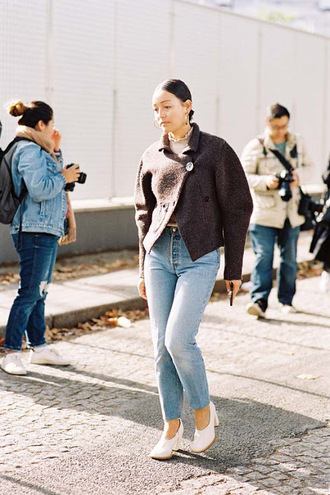vanessa jackman blogger jeans jacket sweater gloves shoes jewels winter outfits pumps tumblr brown jacket denim light blue jeans glove heels white shoes mid heel pumps streetstyle fall outfits