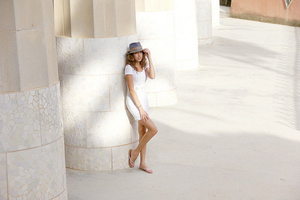 cool girl style dress hat jewels