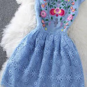 [grzxy6601644]Blooming Floral Embroidery Lace Sleeveless Crew Neck Flare Dress on Luulla