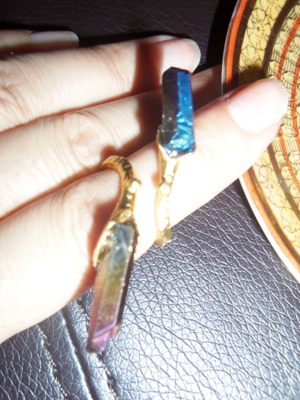 jewels aura crystal purple quartz blue quartz two-point quartz ring gold ring holographic gold midi rings