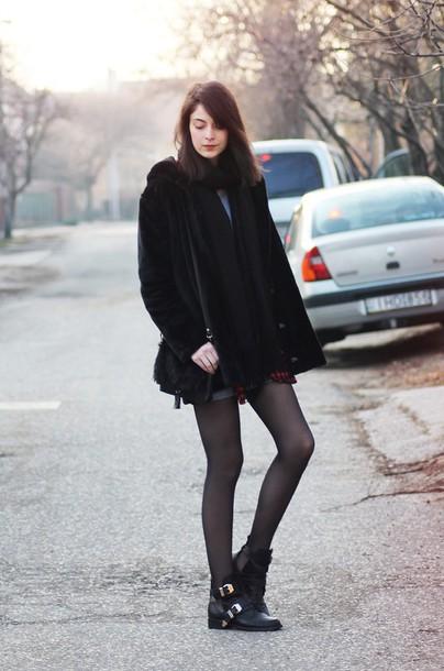 mes memos blogger black coat ankle boots coat shirt shoes scarf bag dress