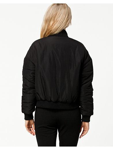 Black Sky Bomber Jacket - Fanny Lyckman For Estradeur - Svart - Jackor - Kläder - Kvinna - Nelly.com