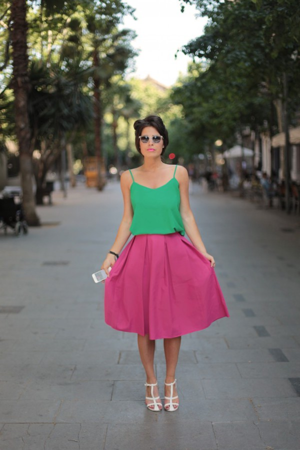 frassy tank top skirt shoes sunglasses