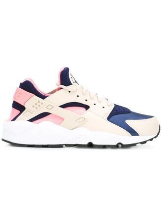 women run sneakers white shoes