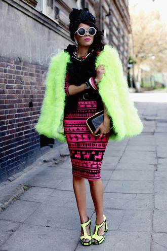 macademian girl dress shoes sunglasses bag jewels t-shirt belt