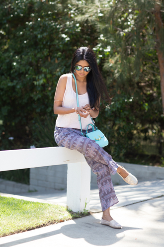 walk in wonderland t-shirt pants bag shoes jewels sunglasses