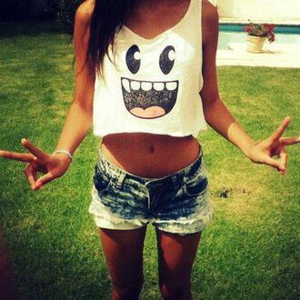 shirt white crop tops tank top fashion summer smiley shorts t-shirt top clothes bag blouse face