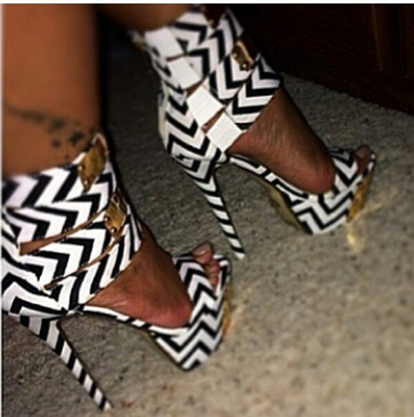 shoes heels black and white
