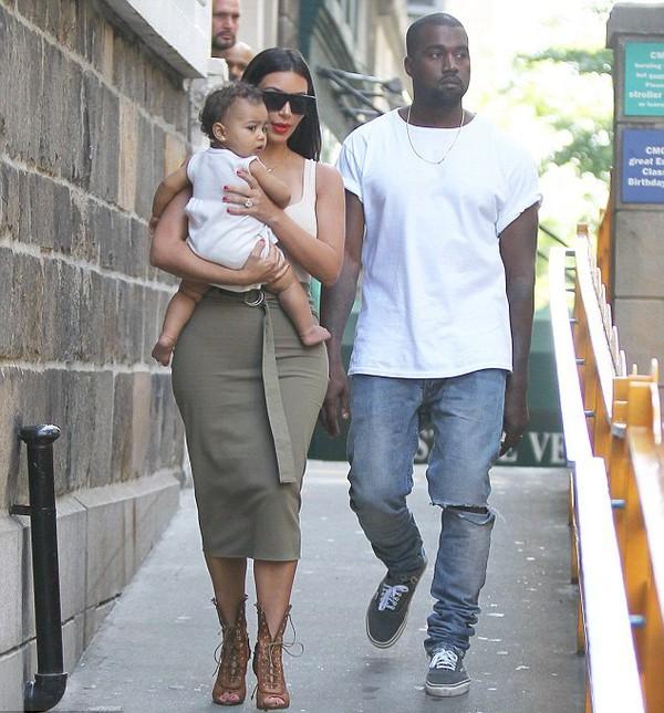 shoes kim kardashian kardashians keeping up with the kardashians kanye west skirt
