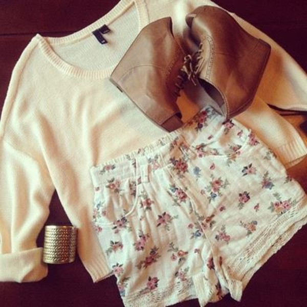 sweater bracelets shorts shoes jewels blouse blue flowers boots