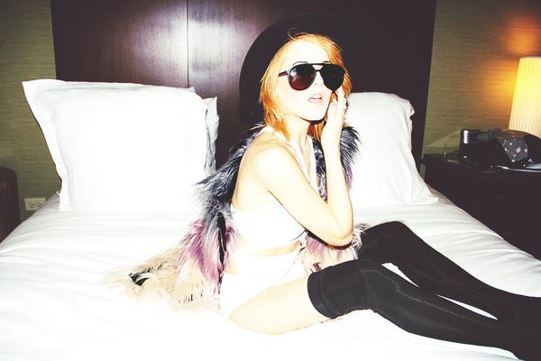 i hate blonde jacket hat jewels