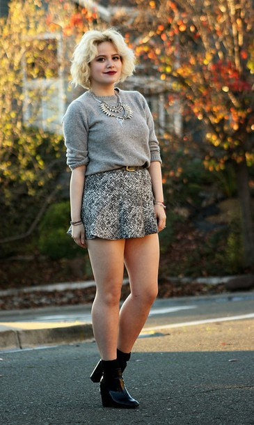 broke hell blogger skirt sweater shoes jewels