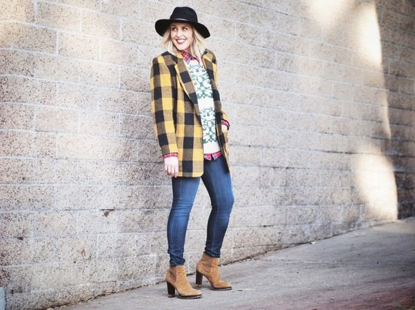 b. jones style hat shirt sweater jeans jacket shoes jewels