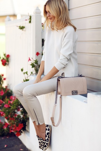 tuula blogger jacket bag jewels casual beige pants shoes sweater grey leather pants