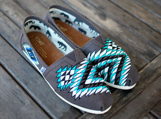 shoes gray toms toms custom toms painted canvas shoes native american