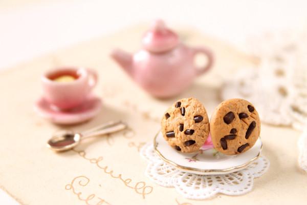 jewels brown chocolate chip cookies earings food