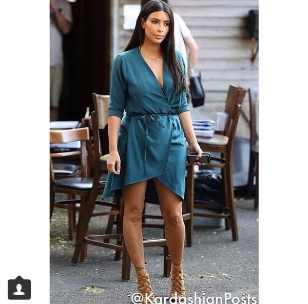 kim kardashian petrol kim kardashian-teal dress dress wrap dress summer dress summer outfits celebrity sandals nude sandals