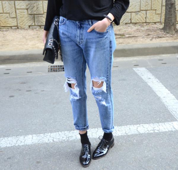 jeans ripped jeans ripped ripped jeans demin jeans boyfriend jeans denim blue oversized boyish french girl style fashion tumblr clothes cute blue denim