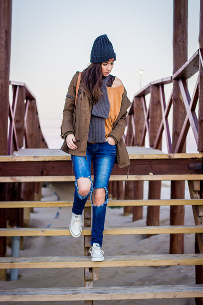shoes and basics blogger coat ripped jeans knitted beanie sweater t-shirt jeans shoes hat