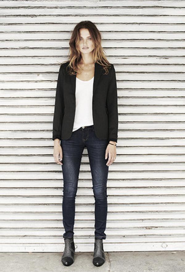 jacket lookbook fashion anine bing tank top jeans shoes