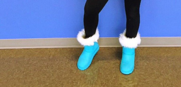 shoes light blue with fur on top