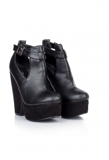 Kazue Suede Buckle Wedges- Boots - Shoes - Missguided