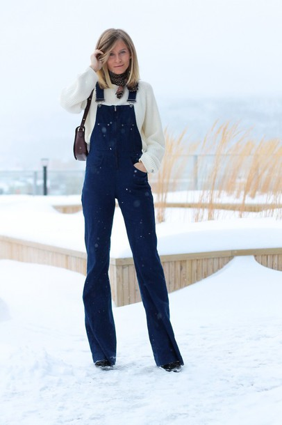 the fashion eaters blogger sweater denim overalls jumpsuit bag