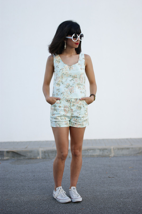 vintage shoes for her sunglasses jewels shorts shoes