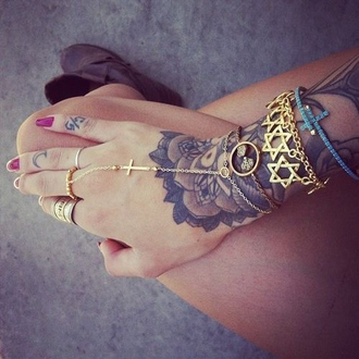 jewels gold cross bracelets ring earrings hipster indian hippie indie cute stars fashion hand chain gold star of david gold jewelry nails