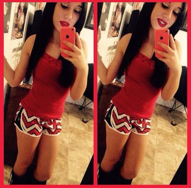 shorts zigzag print red white